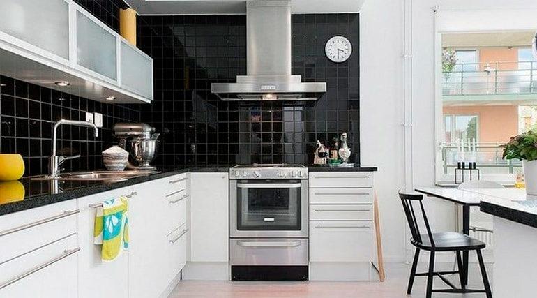 Черно-белая кухня - отличный вариант дизайна