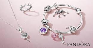 украшения Pandora обладают всеми этими качествами: красотой, изысканностью, креативом. И, конечно же, чтобы с ними умело обращаться, нужна ловкость.