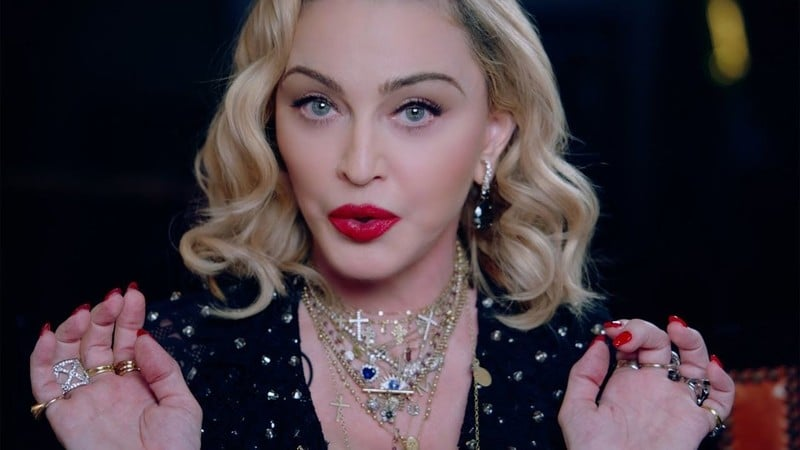 4. Мадонна – американская певица, ставшая символом целеустремлённости и стойкости к жизненным невзгодам для молодёжи всех стран и континентов