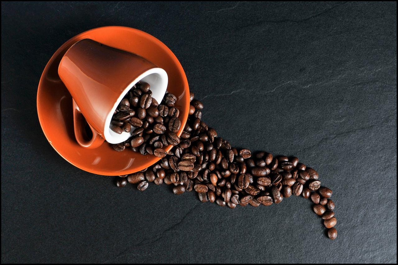 Врачи предупреждают любителей кофе: какие болезни провоцирует это напиток
