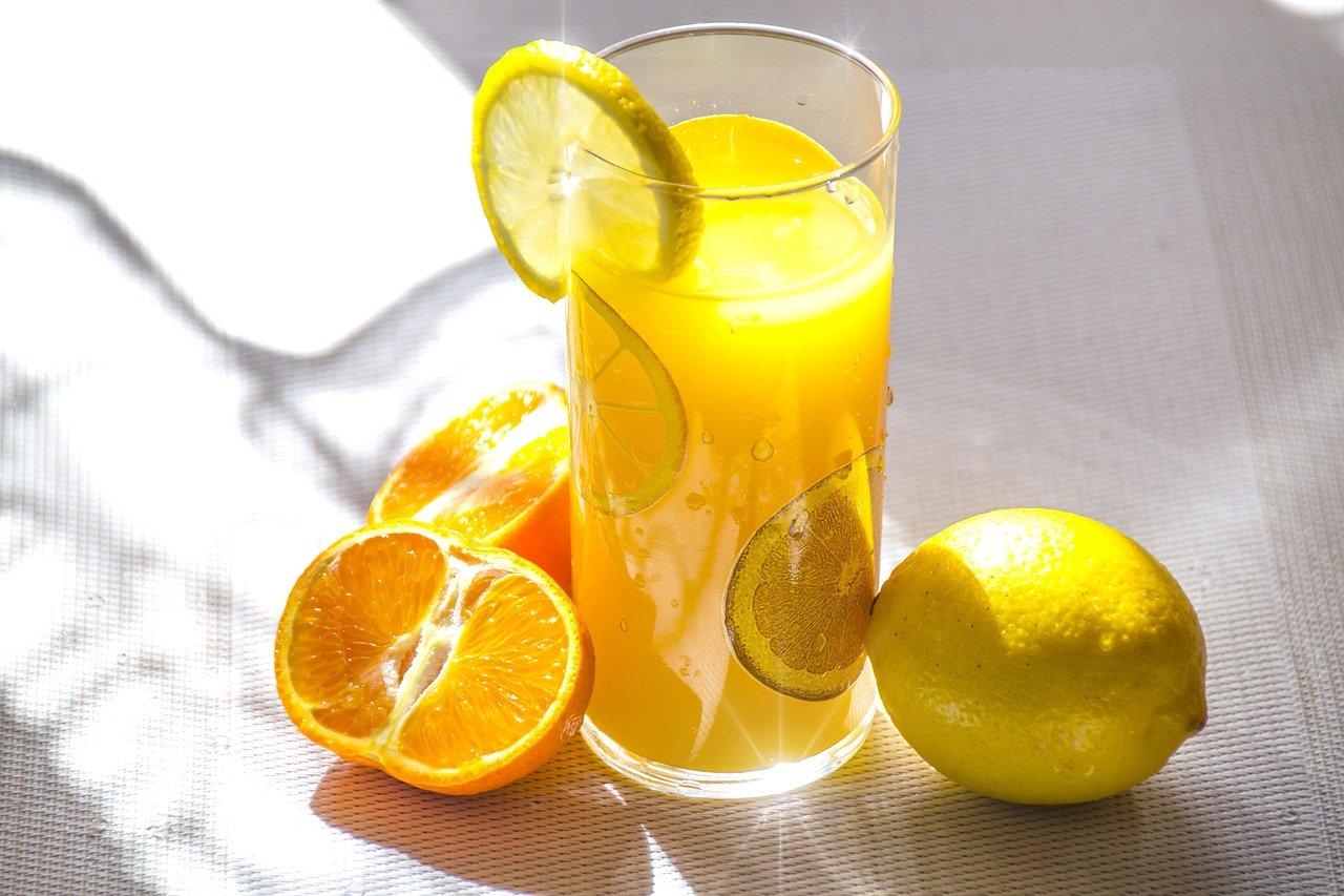 Кк реагирует витамин С на кожу лица