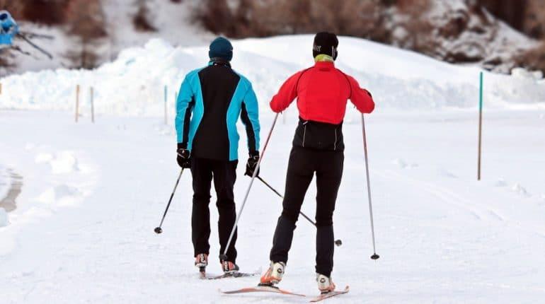 Как уберечь свои колени от травм во время катания на лыжах