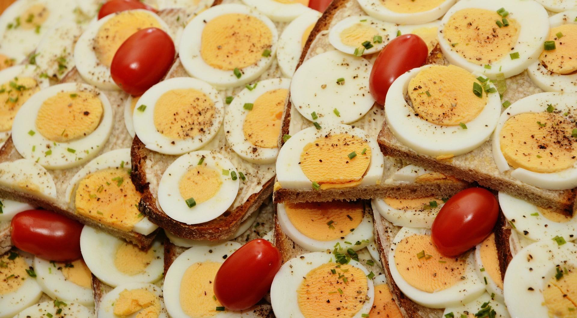 Яйца - источник белка на завтрак