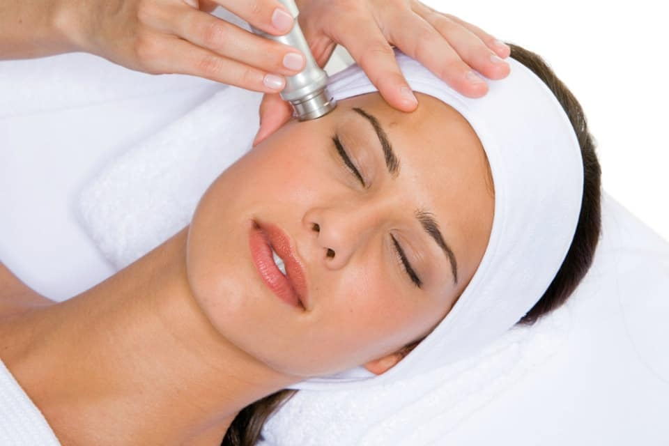 Какие средства использовать для отшелушивания и очищения кожи