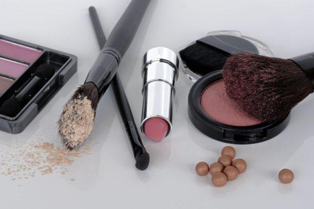 Что происходит с кожей при использовании грязных кистей для макияжа