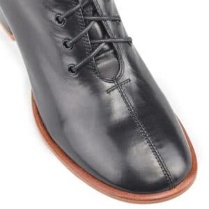Квадратный каблук при выборе ботинок