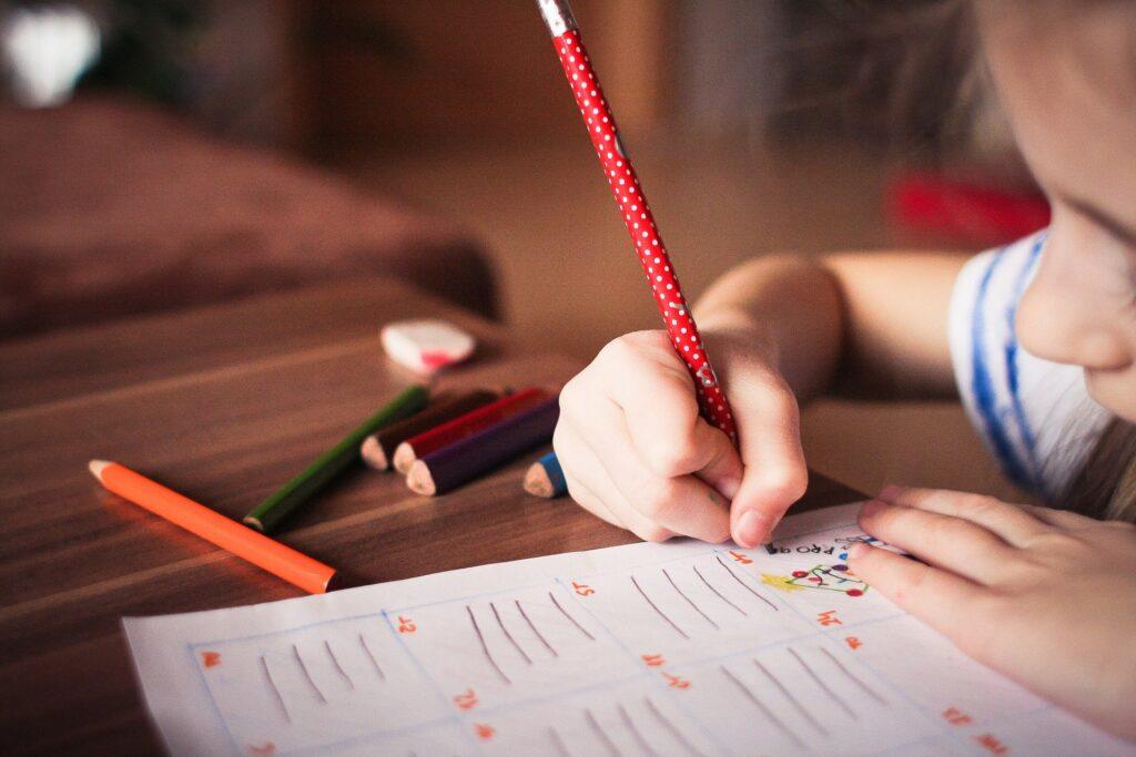 Как поощрять творческие занятия с детьми